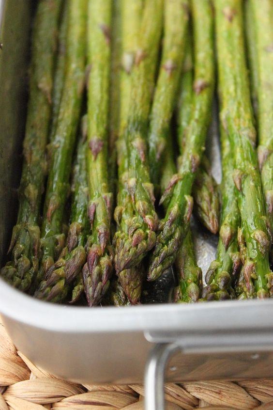 C'est la saison de la reine des légumes : l'asperge ! La saison est courte il faut vite en profiter. Mais à part cuite à la vapeur comme nous en avons l'habitude, comment varier sa préparation tout en mettant en valeur sa saveur si prononcée qui est tant...