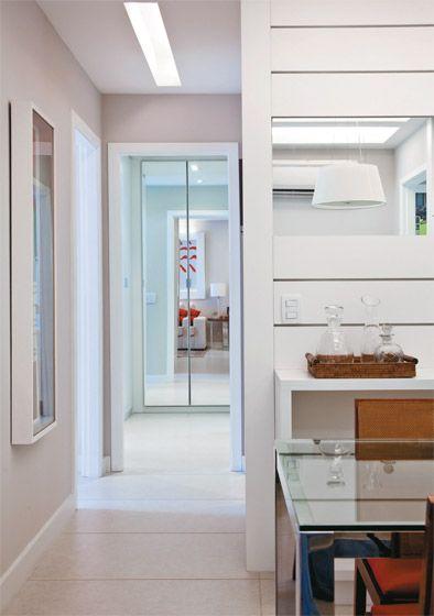 Armario Estreito Branco : Apartamento de m? com ideias na medida do conforto