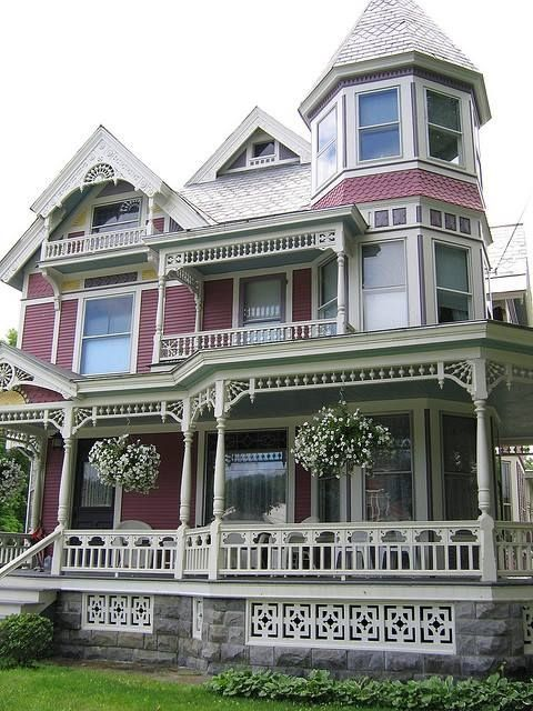 Beautiful victorian with gingerbread trim house victorian for Victorian house trim