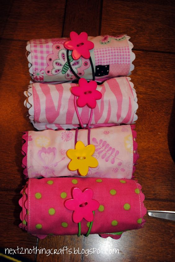 Next 2 Nothing Crafts: Crayon Rolls (Tutorial)