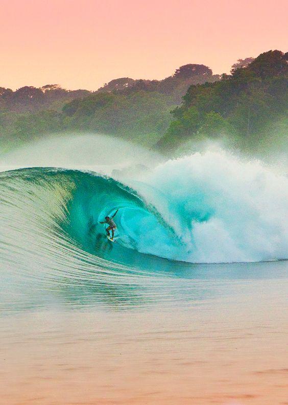 大自然とサーフィン