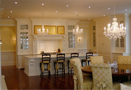 Love the colour scheme - white cabinets, who wouldda thought!