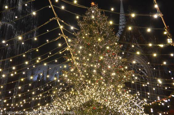 Weihnachtsmarkt am Dom (Roncalliplatz).