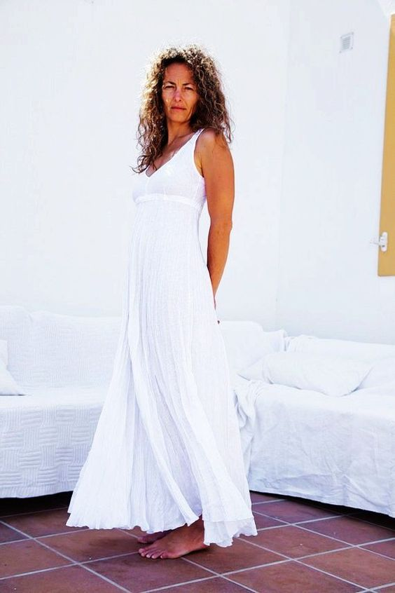 images of white linen wedding dresses on beach - Pure White Long ...