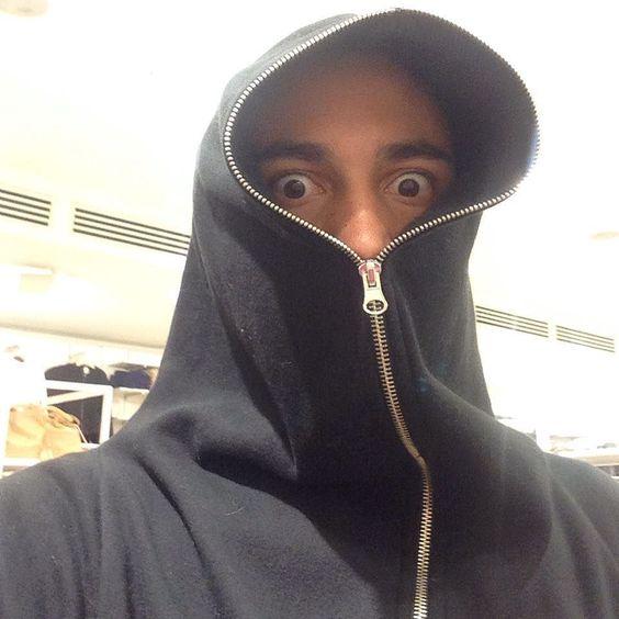 Current mood. #work #selfie #fbf #flashbackfriday #allblack #creeper #weirdo #oddball  by peter_the_beater