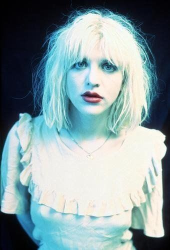 Courtney Love - This one was always one of my favourite 'oldskool' pics of her.