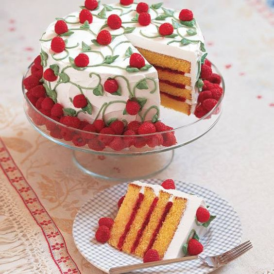 Celebrate The First Weekend Of Summer With Wilton 39 S Easy To Decorate Berry Bonanza Cake Food