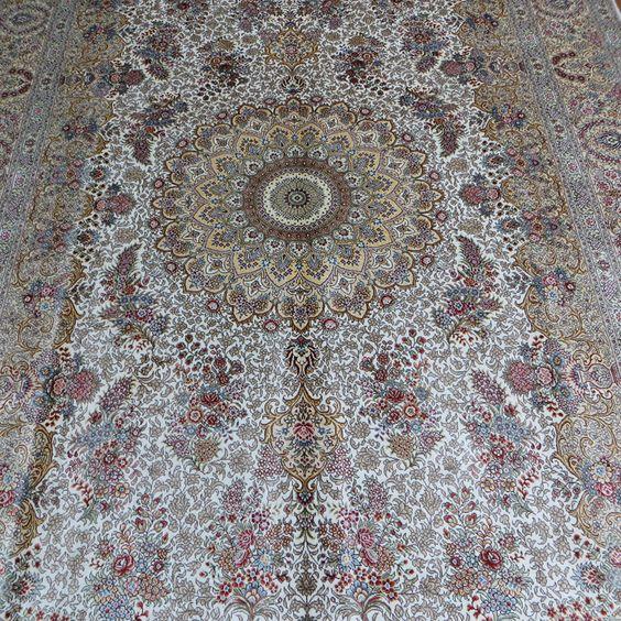 No.525D  183x274cm  handmade silk carpet      harry@camelcarpet.com