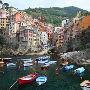 must must go here (soooon!) (very soooon) Village of Riomaggiore, Cinque Terre, Italy