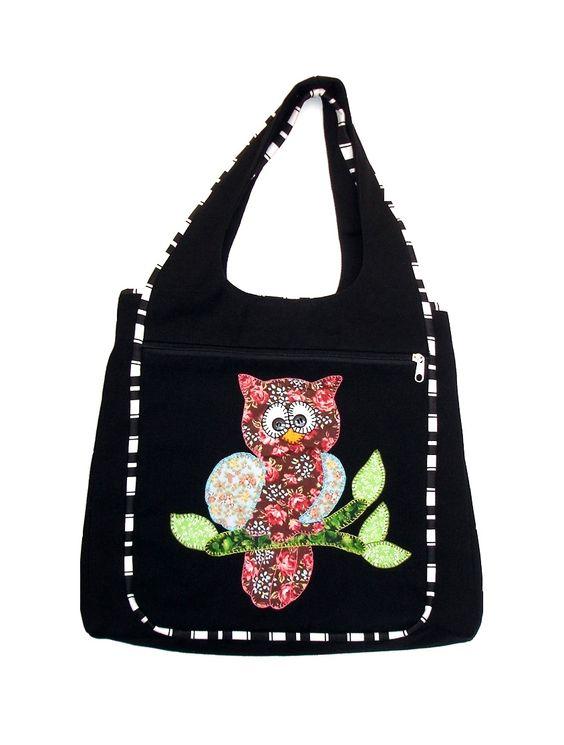 Bolsa em tecido com aplicação corujinha. Para maiores detalhes, acesse: http://vitrine.elo7.com.br/tinamaria/albuns/78336/produtos/4666016