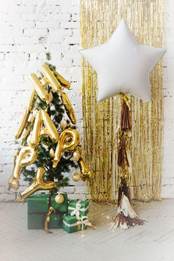 15 Christmas Party Decor Ideas Christmas Party Decorations Christmas Balloons Christmas