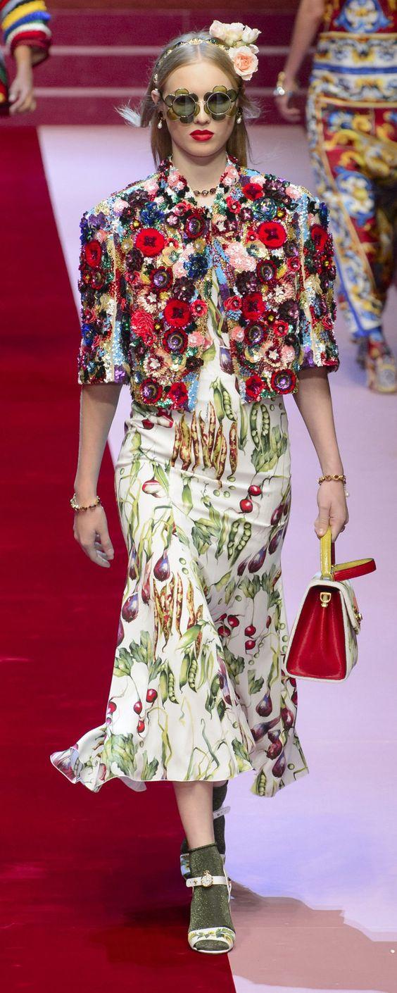 Dolce & Gabbana Printemps-été 2018 - Prêt-à-porter - http://fr.orientpalms.com/Dolce-Gabbana-6936 - ©ImaxTree
