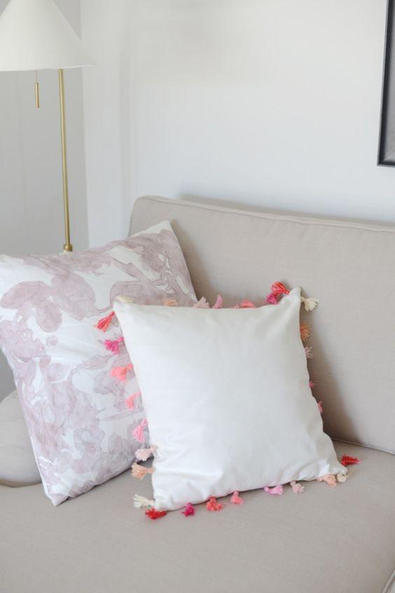 DIY tassel pillows! http://www.stylemepretty.com/living/2015/08/02/diy-ombre-tassel-pillow/ | DIY: M Loves M - http://www.mlovesmblog.com/