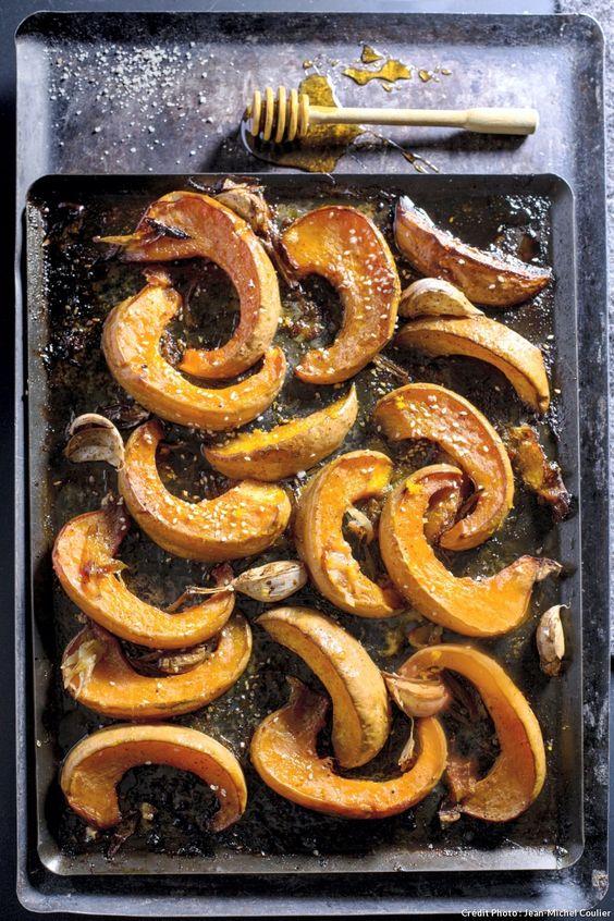 La courge se décline en de multiples variétés aux nuances gustatives diverses. Parmi elles, potiron, potimarron et butternut.