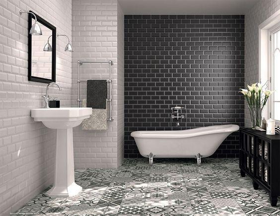 Carrelage salle de bain noir et blanc duo intemporel tr s classe design e - Salle de bains noir et blanc ...
