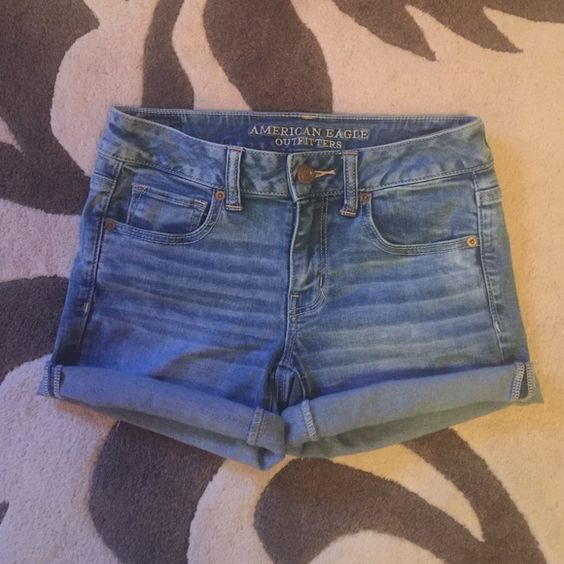 American Eagle Super Super Stretch Midi shorts AE Super Super Stretch denim midi shorts, size 4, excellent condition American Eagle Outfitters Shorts Jean Shorts