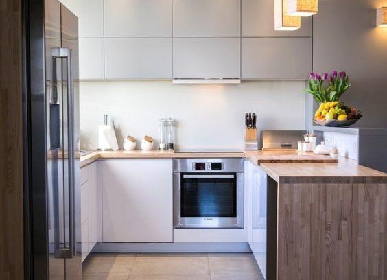 moderne Wohnküche in L-Form mit Holz Arbeitsplatte   Küche L-Form ...