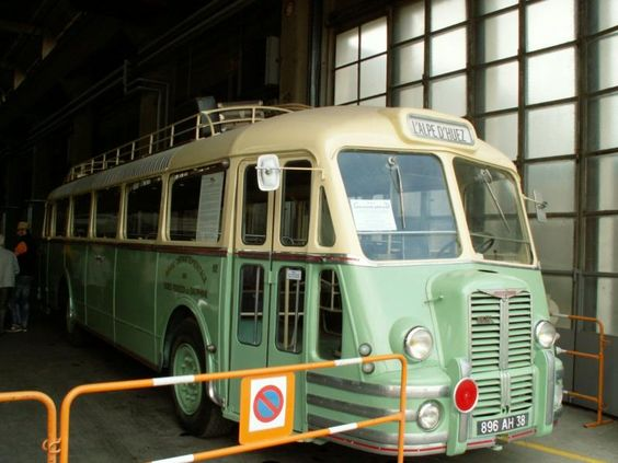 http://images.forum-auto.com/mesimages/311380/Bus (1).jpg