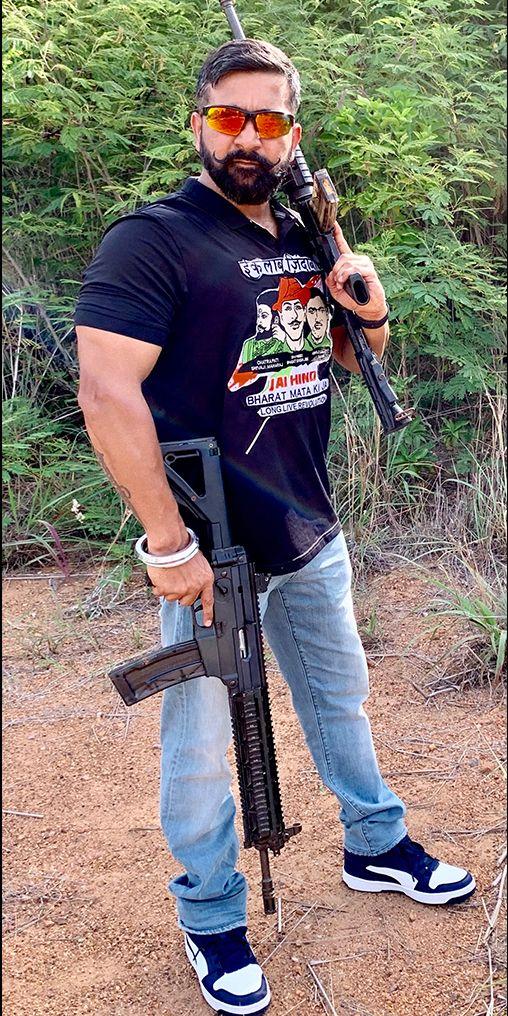 Grandmaster Shifuji Shaurya Bhardwaj Commandos Mentor Mission Prahar Mitti System Sass9 Casf In 2020 Indian Army Special Forces Indian Army Wallpapers Indian Army