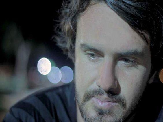 Na quinta-feira, 20, às 20h30, o Espaço Cultural Sérgio Porto recebe show do cantor catarinense Wado.