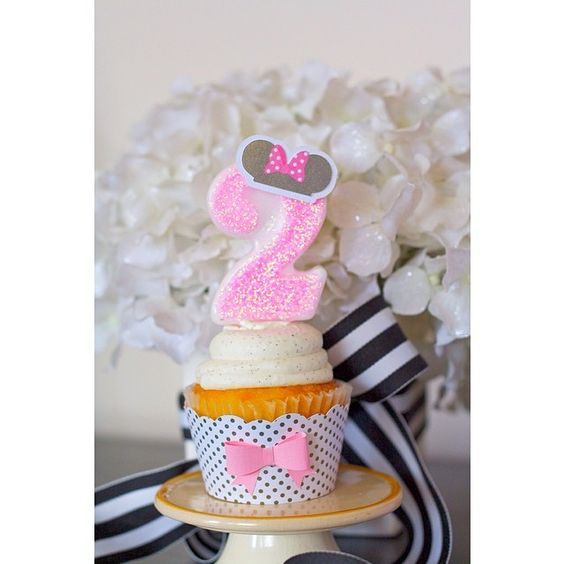 #customized #birthdaycandles #glittercandle #2 #two #minnie #pinkglitter #cupcakewrapper #bow #polkadot #number2candle
