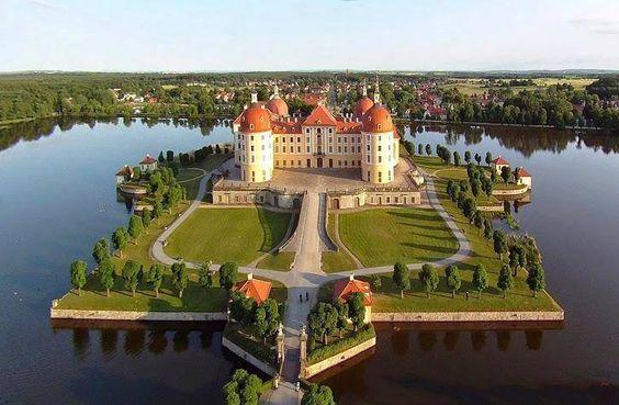 Moritzburg Castle - Dresden, Germany. Watch < http://destinations-for-travelers.blogspot.com/2013/10/moritzburg-castle-in-moritzburg-dresden-germany.html #Moritzburg #MoritzburgCastle #Dresden #Germany #Alemanha #travel #traveller #traveling #travelling #travelblogger #travels #travelphoto #travelpics #traveltheworld #trip #TravelTips