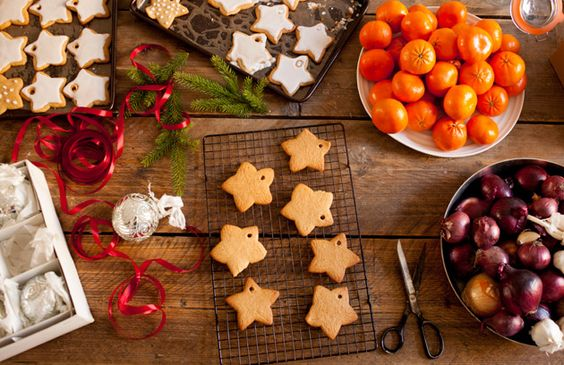 Rose and Cinnamon Christmas Cookies