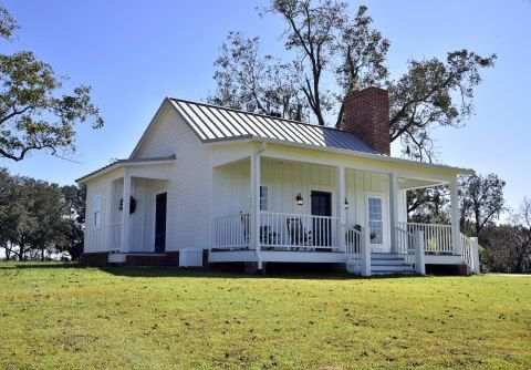 Small Country Cottage Plan 865 Sq Ft 2 Bed 2 Bath Our Town Plans Small Cottage House Plans Small Farmhouse Plans Small Cottage Homes