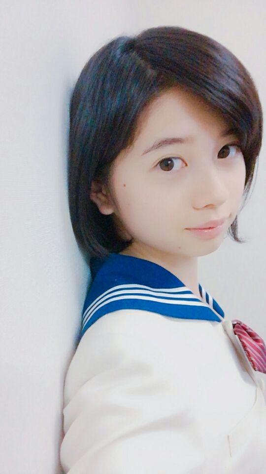 セーラー服の桜田ひより
