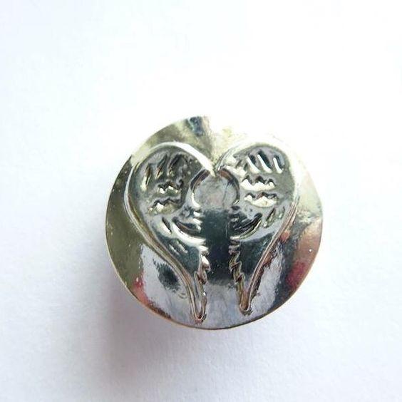 Mehr Info's zu den taffen Helm-Beads oder wahlweise Schmuck-Druckknopf gibt's unter www.taffe-stücke.de!
