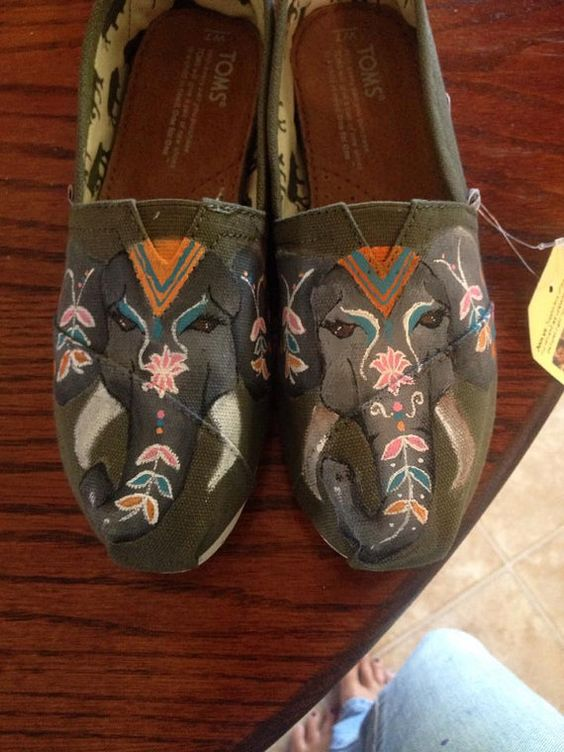 Shoes are hand painted and made to order. Can be customised with any design or color.