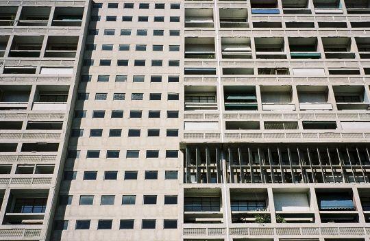 Unité d'Habitation / Le Corbusier | Julien Boudet | Bleu Mode | http://bleumode.com