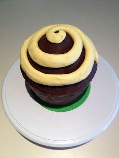 Bolos&Tentações: Bolo Cupcake Gigante - Passo a Passo
