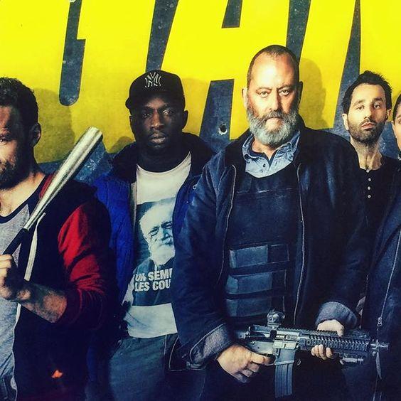 On se tape l'affiche avec Jean dans son nouveau film d'acfion ! #cinema #fistsetlettres #action #tshirt #sembat #lescouilles