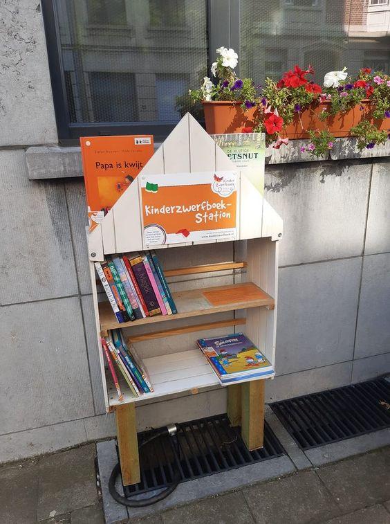 Kinderzwerfboekenstation Foeksia Berchem