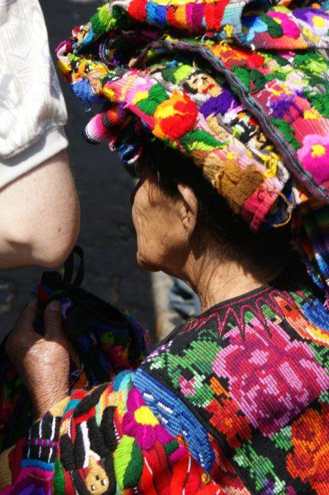 Chichicastenango, Tierra de Colores.