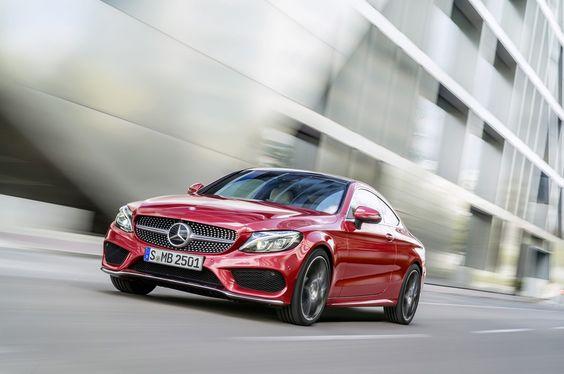 A quelques semaines du Salon automobile de Francfort 2015, Mercedes dévoile enfin sa Classe C Coupé. Une voiture de toute beauté, naturellement !