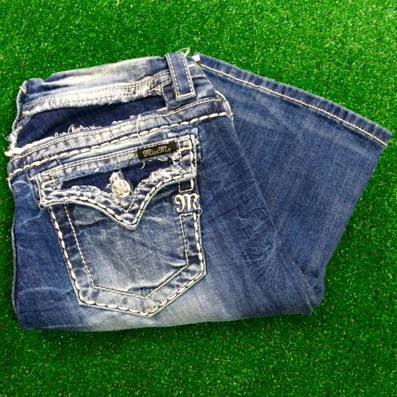 MISS ME JE8059ER MID-RISE EASY BOOTCUT JEANS. BRAND: MISS ME CUT: BOOTCUT DENIM WASH: MEDIUM INSEAM: 31""
