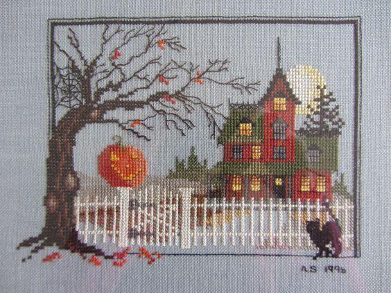 Broderie Manoir Halloween