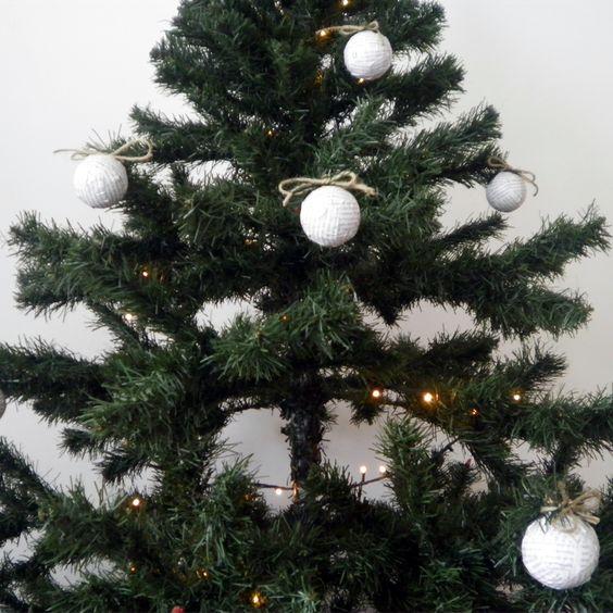 #Bochas #Navideñas #Decoración #Navidad #Newspaper #tree — Cutefy.com
