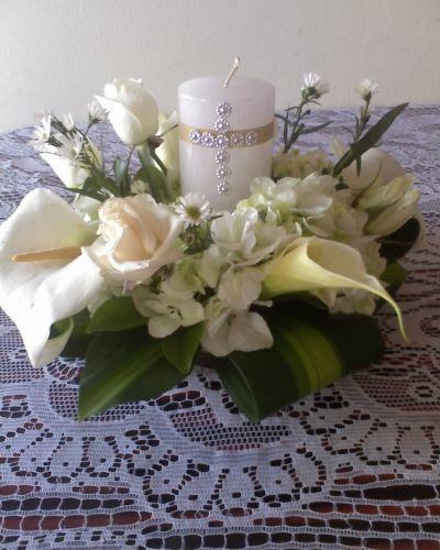 Centros de mesa para primera comunion ni a con flores - Centro de mesa para comunion de nina ...