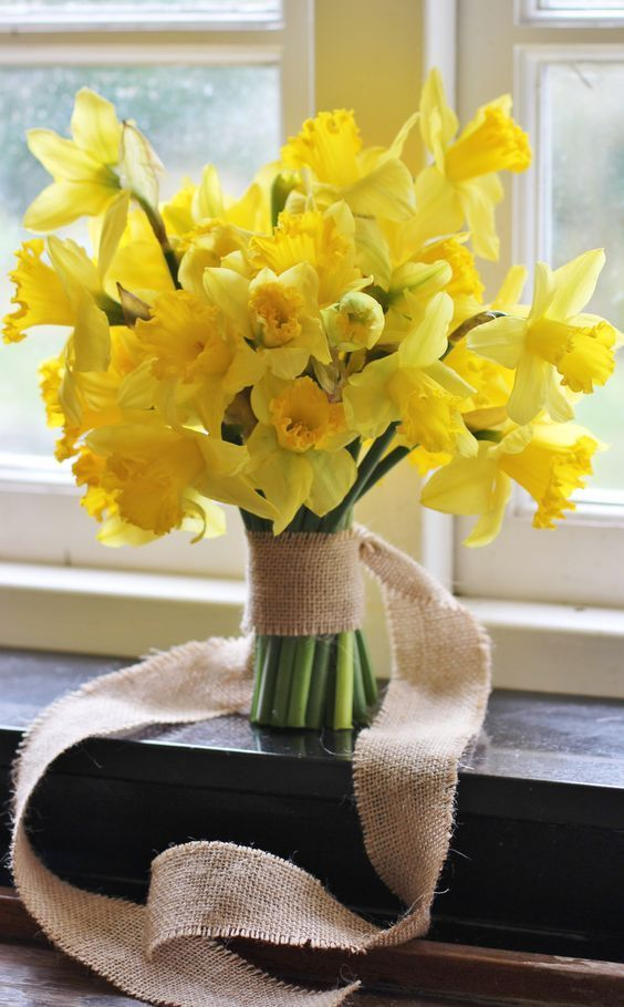 daffodil wedding flowers in bouquet - on the Marrygrams Blog