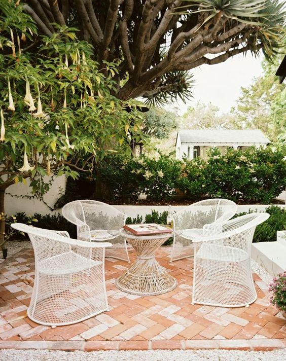 Patio, Diseño de interiores and Revistas on Pinterest