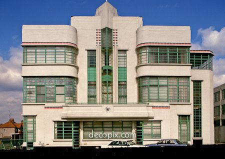 Streamline moderne hoovers and cafeterias on pinterest for Art deco architecture characteristics