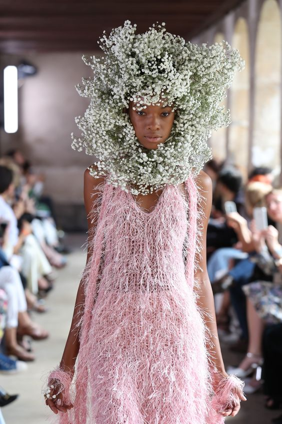Rodarte's Spring 2018 Show Brings a Romantic New Flower Hair Crown to Paris