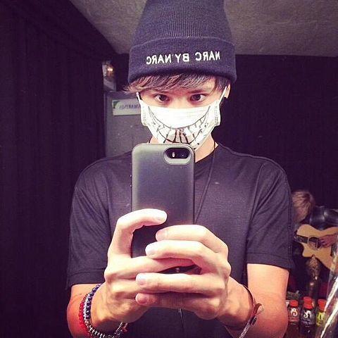 かわいいマスクをするTaka