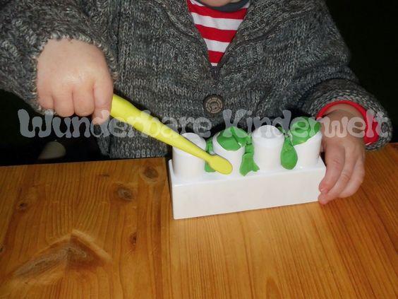 Wunderbare Kinderwelt: Zähne putzen