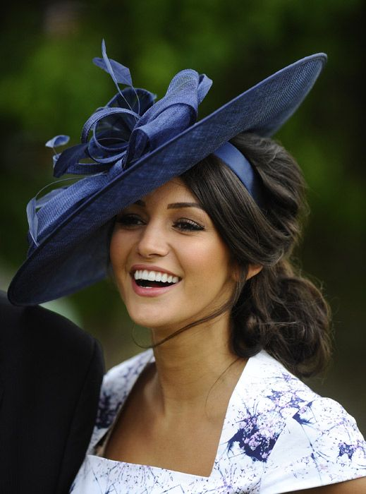 Michelle Keegan's stunning new look at the races - Photo 1   Celebrity news in hellomagazine.com  Love the hat and hair