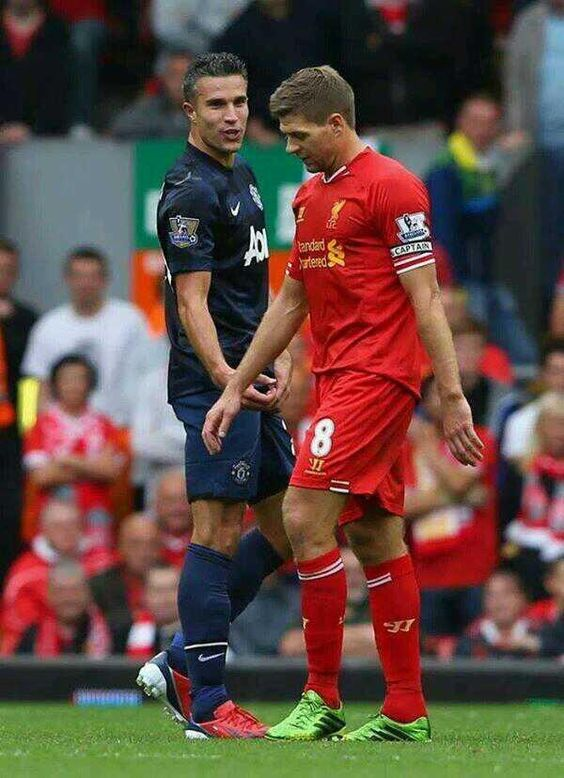 RvP letting Gerrard know what he and every MUFC fan think of him. Gestures speak louder than words ;-) 1st September 2013.