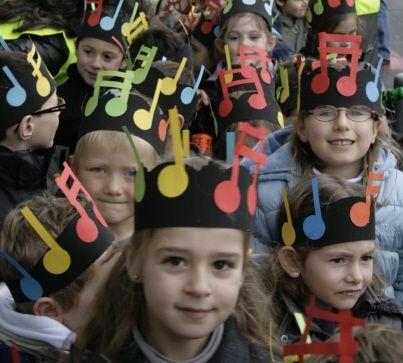 Les élèves de la maternelle  ont fêté carnaval tout en musique